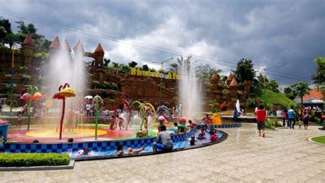 Kolam Renang Anak kolam renang anak anak picture of bhakti alam pasuruan tripadvisor