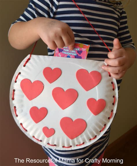 Paper Craft Valentines - paper plate bag craft for crafty morning