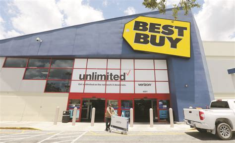 best buy quarterly sales best buy sees best sales gain in 7 years but its stock