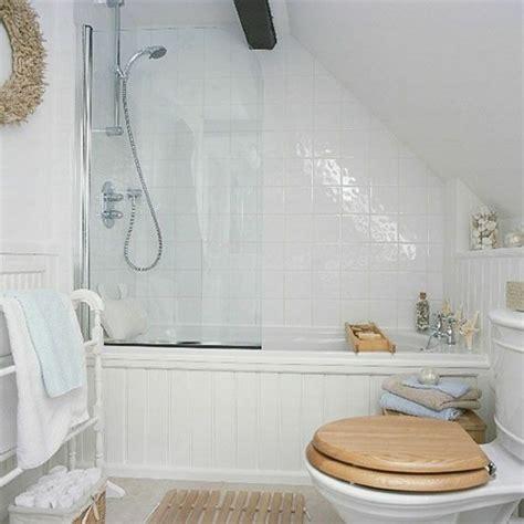 Kleines Bad Mit Badewanne Gestalten by Kleines Bad Einrichten Nehmen Sie Die Herausforderung An
