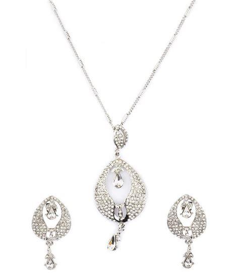 Vanya Set vanya jewellery drop inspired white pendant set