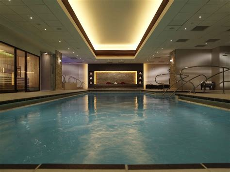 Indulge yourself in these London hotels with indoor pools