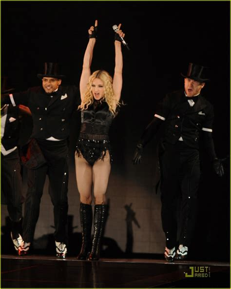 Madona Big Size madonna brings out the big guns photo 1416081 madonna