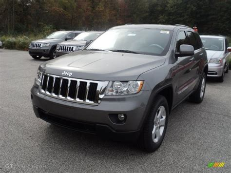 jeep cherokee grey 2012 mineral gray metallic jeep grand cherokee laredo x