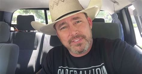 laughing at political correctness how many lightbulbs does it take to change a liberal books popular cowboy chad prather shares the importance of
