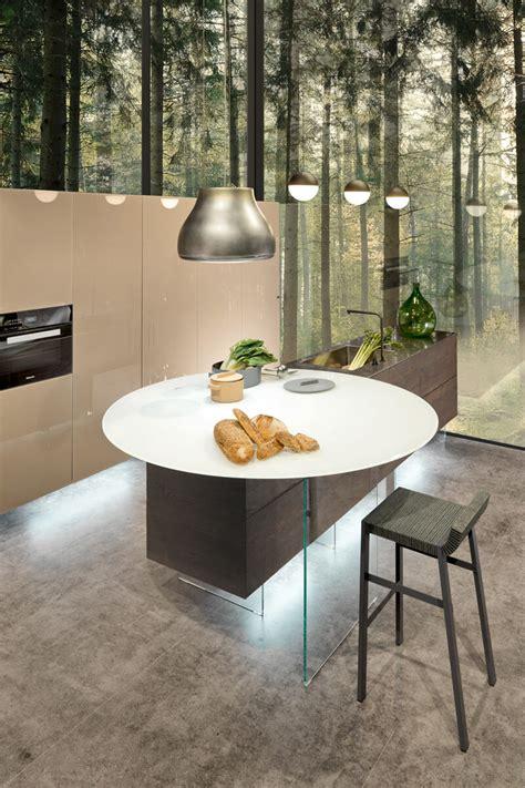 tavolo con sgabelli cucina cucina air una cucina circolare esalta la