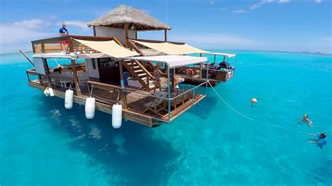 floating bar top floating bar cloud9 in fiji is the coolest place to party