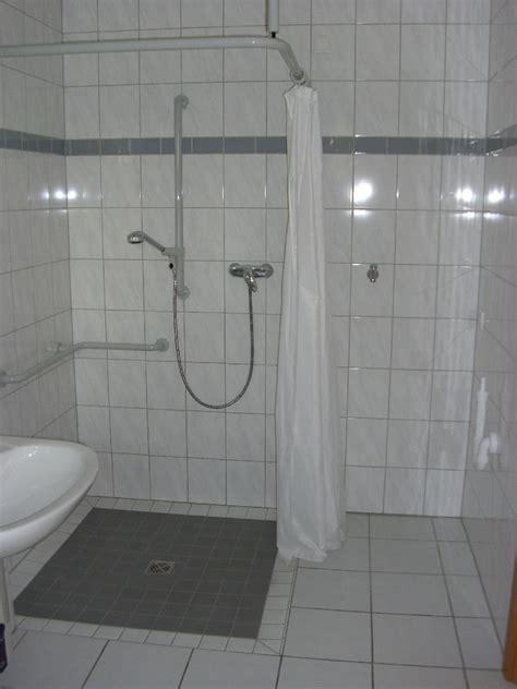 dusche fliesen verlegen bodengleiche dusche fliesen verlegen raum und