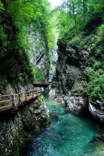 the oneonta gorge is in the columbia river gorge in the