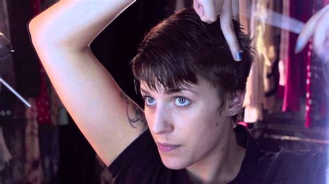 how to cut own pixie growing and cutting out a pixie cut youtube