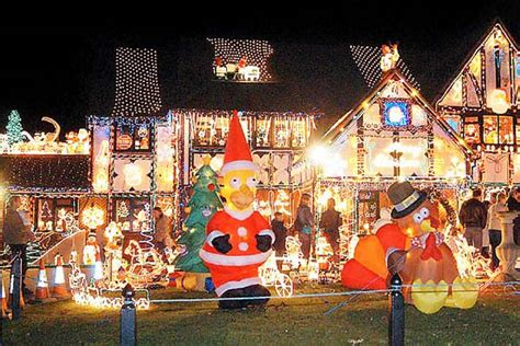 tips to outdoor christmas light hangers outdoor christmas