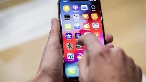 how to fix app that keeps crashing not loading properly on apple iphone xs