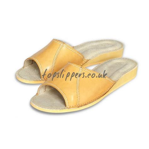 best house slipper best house slippers for 28 images buy peep toe leather