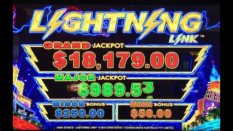 lightning link slot machine aristocrat  bonuses big
