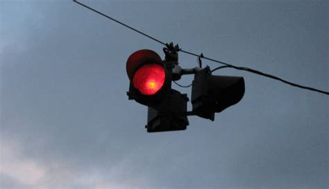 a flashing red light at an intersection means safe driving tips 101 understanding the right of way at
