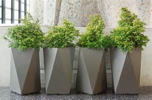 planter pots inner gardens fiber cement arrow planter outdoor pots and planters by innergardens com