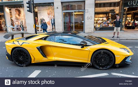 Uk Lamborghini Uk 5 April 2016 A Bright Yellow Lamborghini