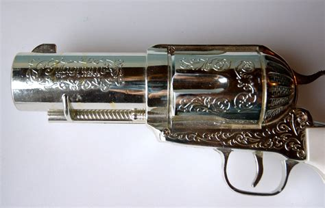 357 Magnum Hair Dryer the 357 magnum gun hair dryer dudeiwantthat