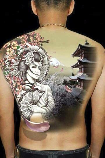 tattoo de geisha en espalda resistencia cultural y tatuajes de geishas para hombres