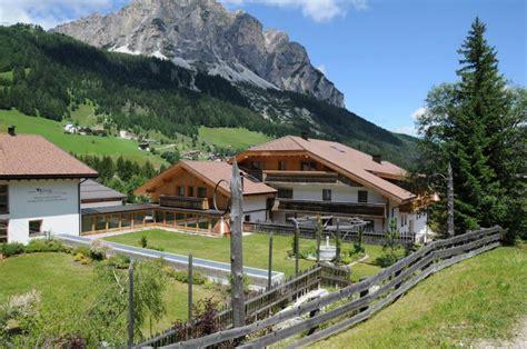 azienda di soggiorno alta badia la fattoria hotel 3 stelle alta badia royal hotels corvara