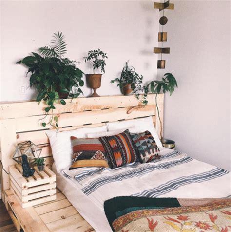 urban loft bedroom set via zoelaz http urbanoutfitters tumblr com urban