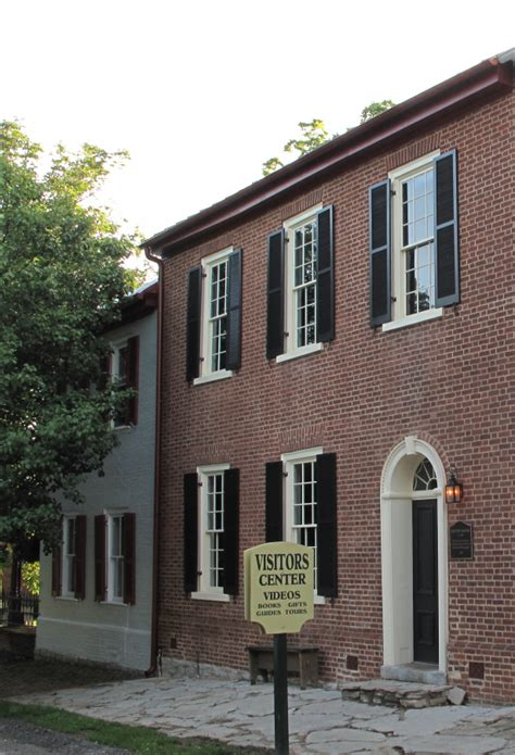 settlement houses were founded in the late 1800s by old washington historic district city of maysville