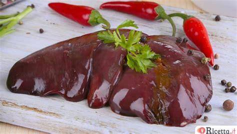 cucinare fegato ricetta fegato alla veneziana consigli e ingredienti
