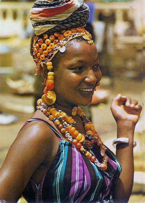 hair plaiting mali and nigeria africa fulani woman mali people of the world