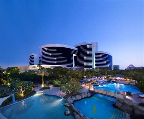 Grand Hyatt   5 Star Luxurious Hotel in Dubai