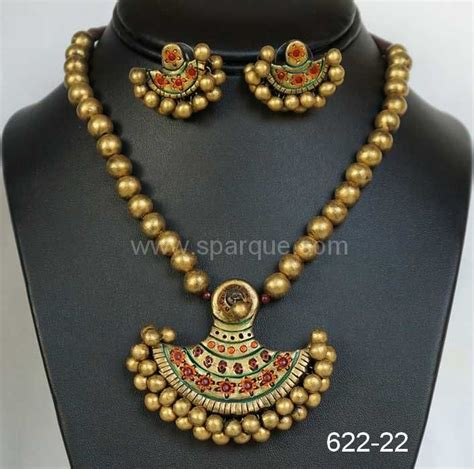 Handcrafted Gold Jewellery - terracotta jewellery set mathching with kerala sarees