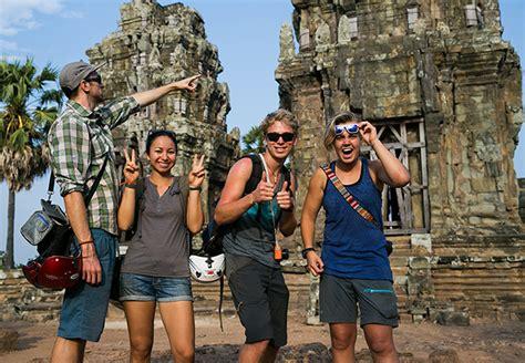 pontoon phnom penh dress code cambodia etiquette cambodia tours