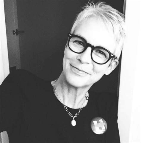 jamie lee curtis good morning america jamie lee curtis shares an election selfie picture