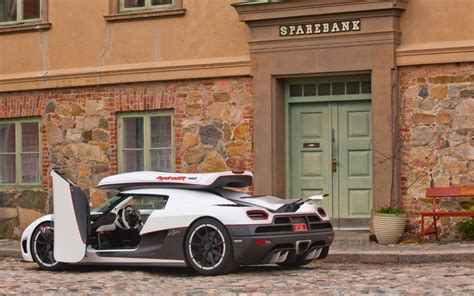 koenigsegg thule koenigsegg agera r the new fastest car in the world