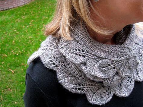 leaf pattern shawl knitting cedar leaf shawlette pattern by alana dakos knitting