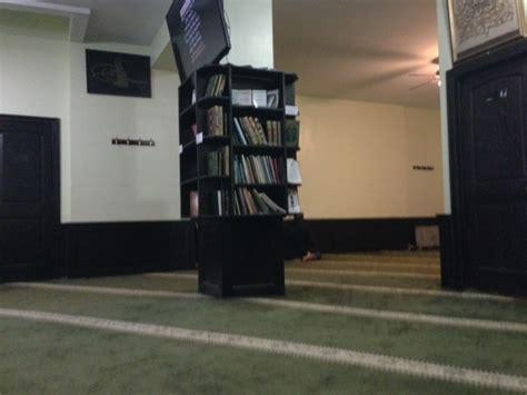 Rak Tv 56 Coklat shalat jumat di masjid ini harus rela didenda 100 dollar