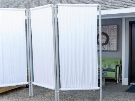 How To Make An Outdoor Privacy Screen From Pvc Pipe Hgtv Diy Backyard Screen