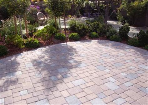 entrances hardscaping walls hardscapes 15 semi permeable paver auto court