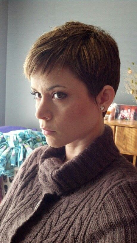 short hair cuts with the colors of carmel brown and highlights short hair with carmel base and blonde highlights aveda