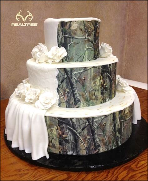 Realtree Camo Wedding Cake = Elegant   Classy. #