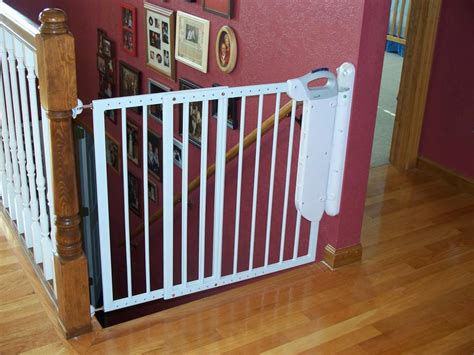 Stair Gates For Children by Safety Gates For Kids Homesfeed