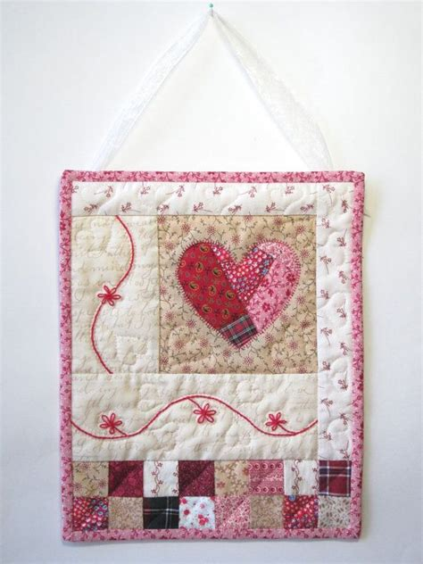 Patchwork Wall Hanging Patterns - 25 best ideas about quilted wall hangings on