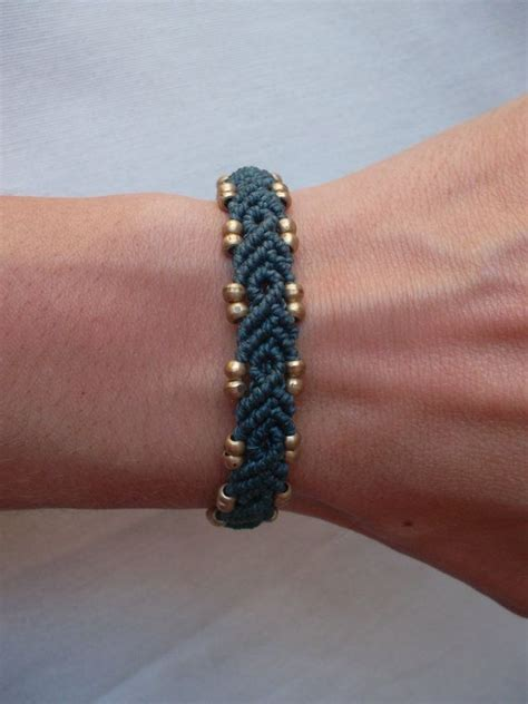 How To Do Macrame Bracelet - best 20 micro macrame ideas on macrame