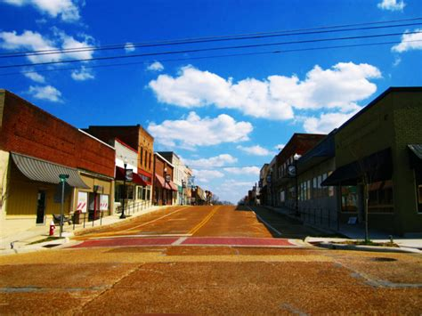 simple life     small towns  mississippi