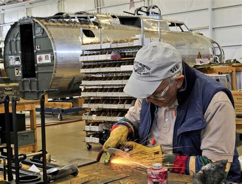 Sns Dec17 Bomber Armel work continues to restore the b 17 chaign www