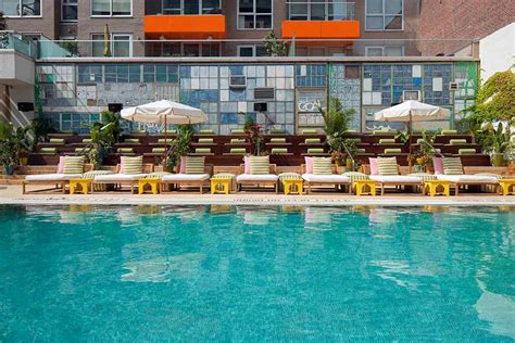nyc hotels with swimming pools