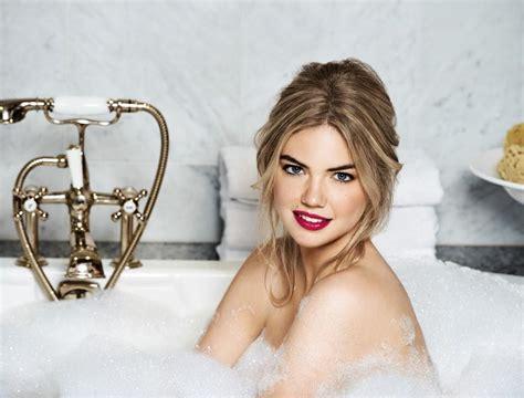 Bathtub Brand Bobbi Brown Cosmetics Founder Steps Down From Company