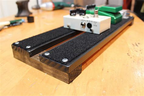 Handmade Pedal Board - beautiful made pedal board for guitar or bass 18x6
