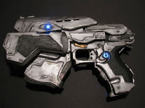 How To Make A Paper Wars Gun - gears of war pistol created using just paper