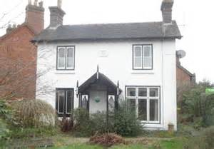 3 bedroom house to buy in london what you get for britain s average home price daily