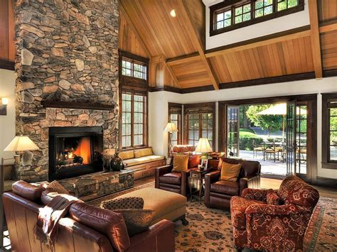 mission style speisesaal craftsman living room with hardwood floors cathedral